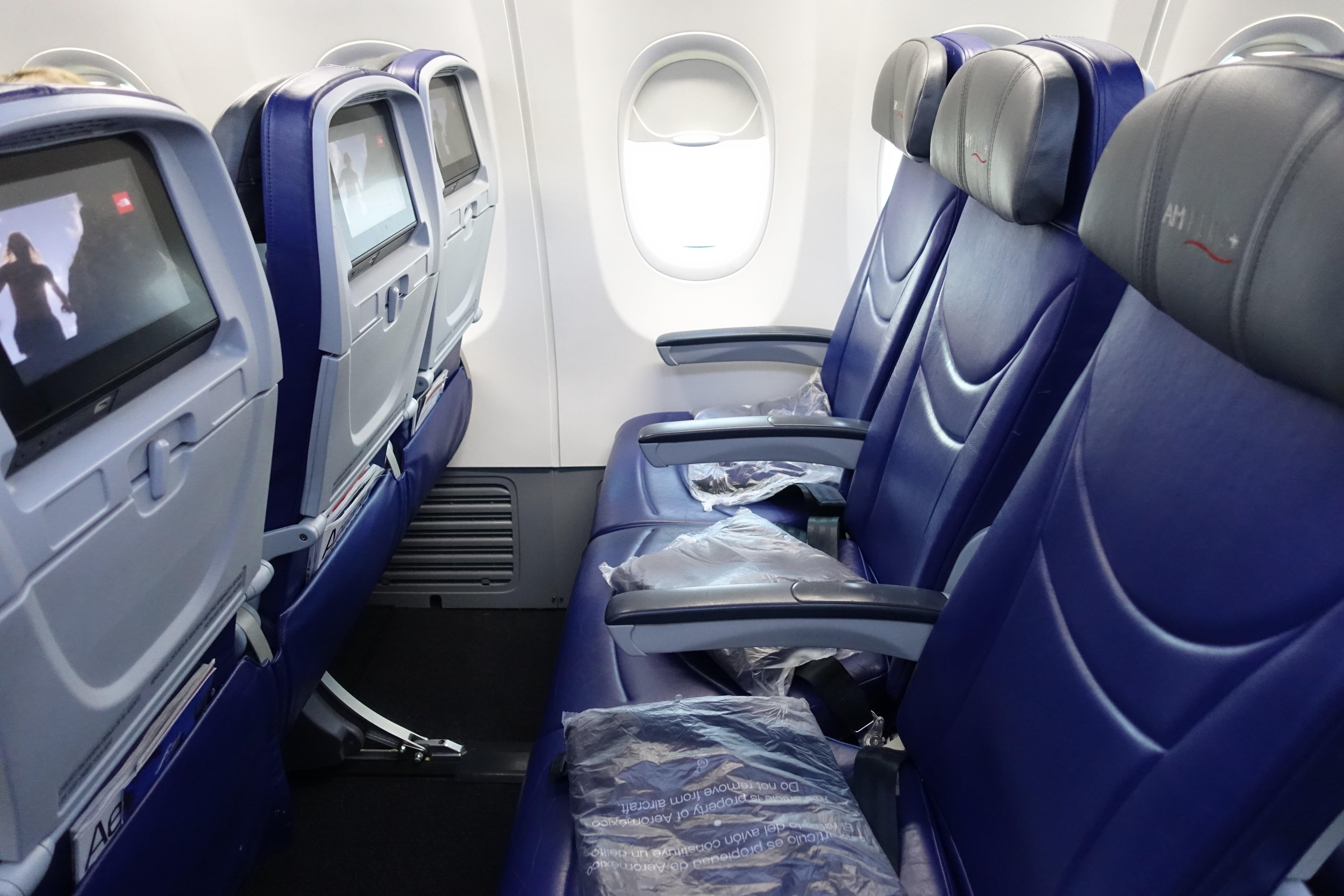 Review Aeromexico 737 800 Economy New York To Cancun