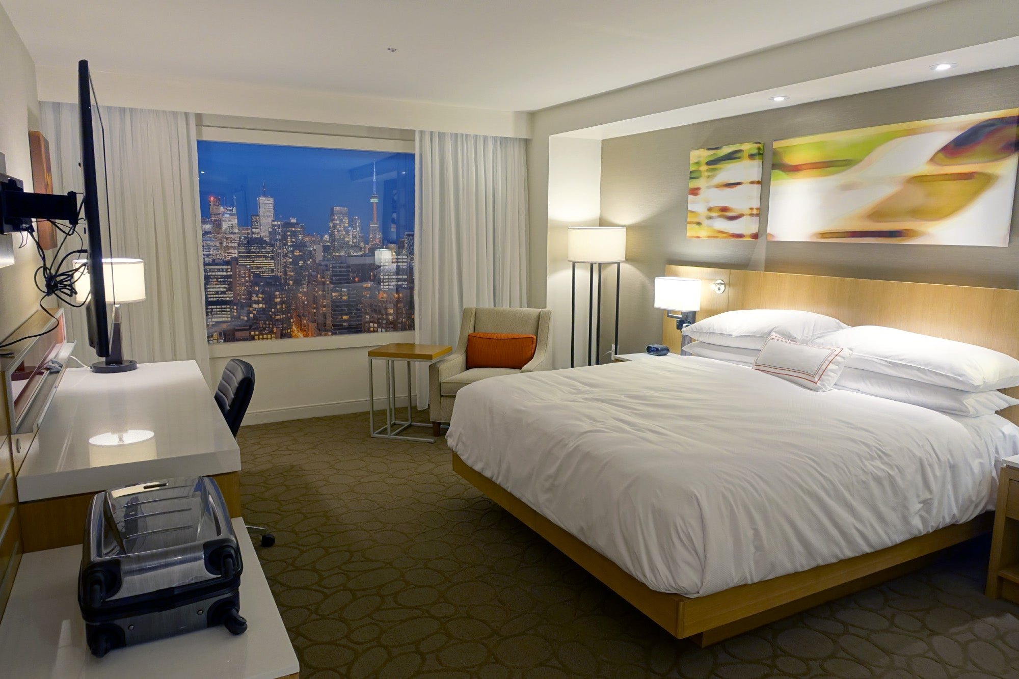 Inside marriott 39 s secret hotel room design bunker for Swanky hotel