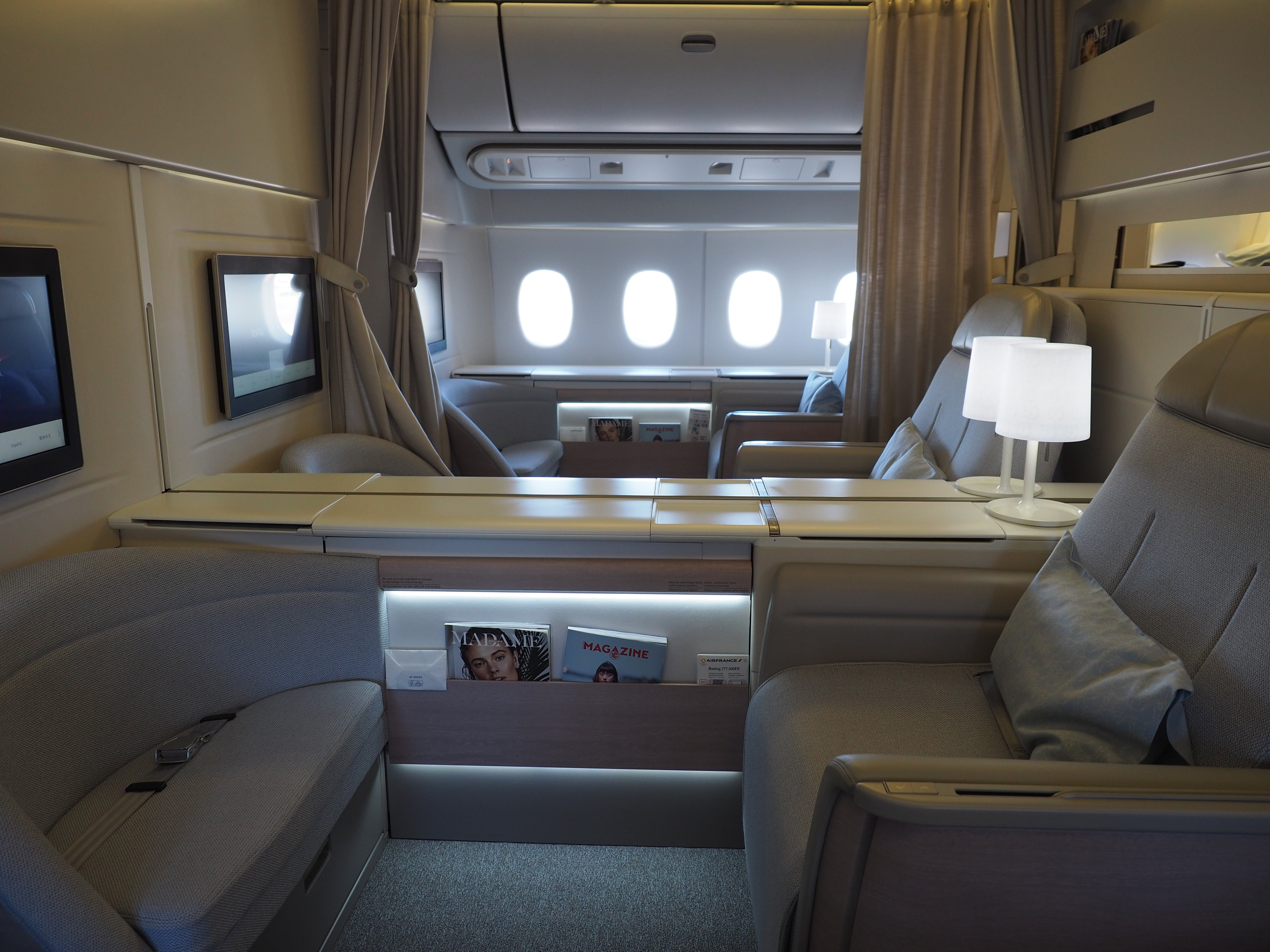 a8489cb9ba815c Review  Air France (777) First Class From Paris to New York