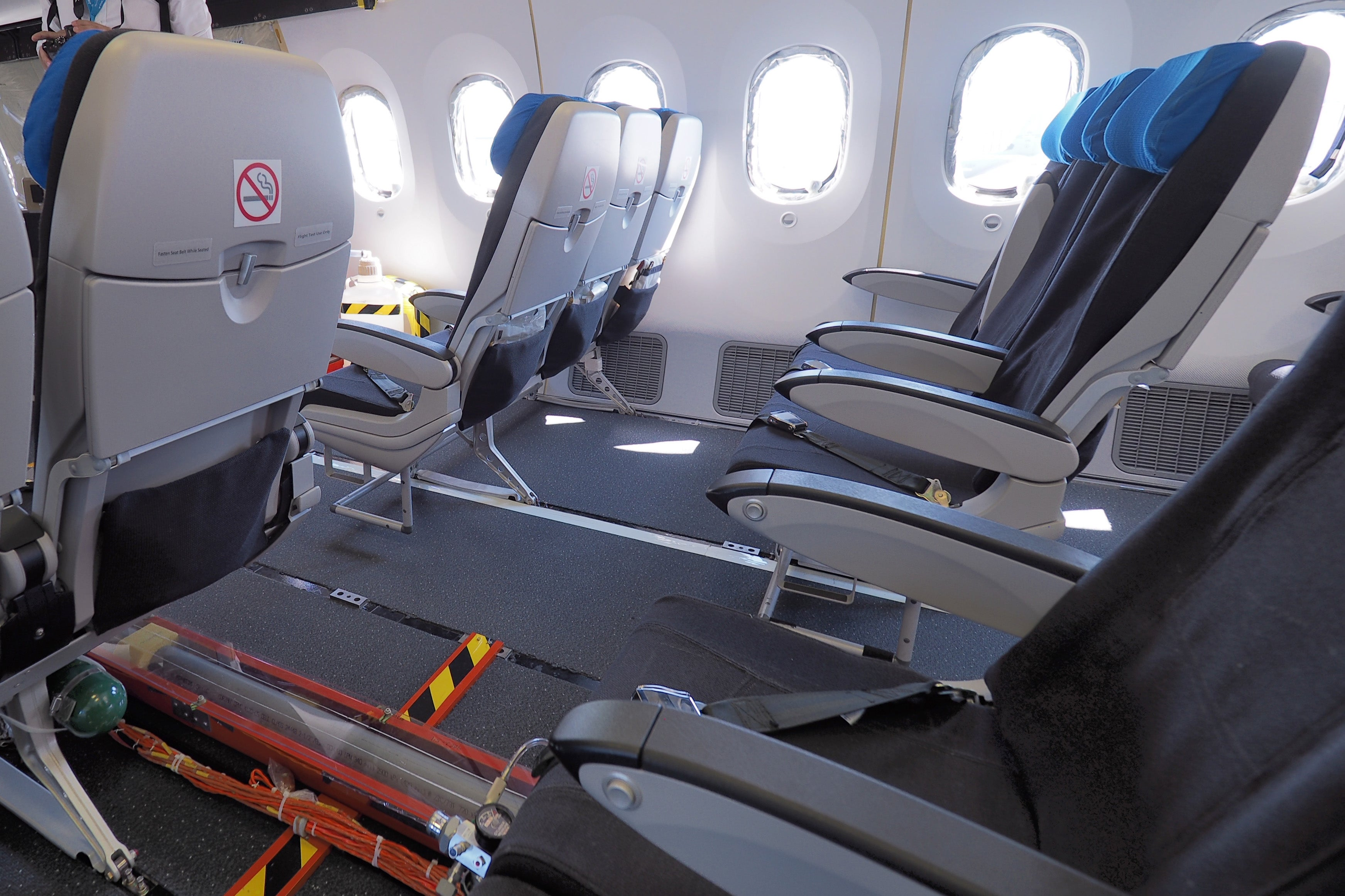 First Look Inside Boeing\'s Extended-Length 787-10 Dreamliner