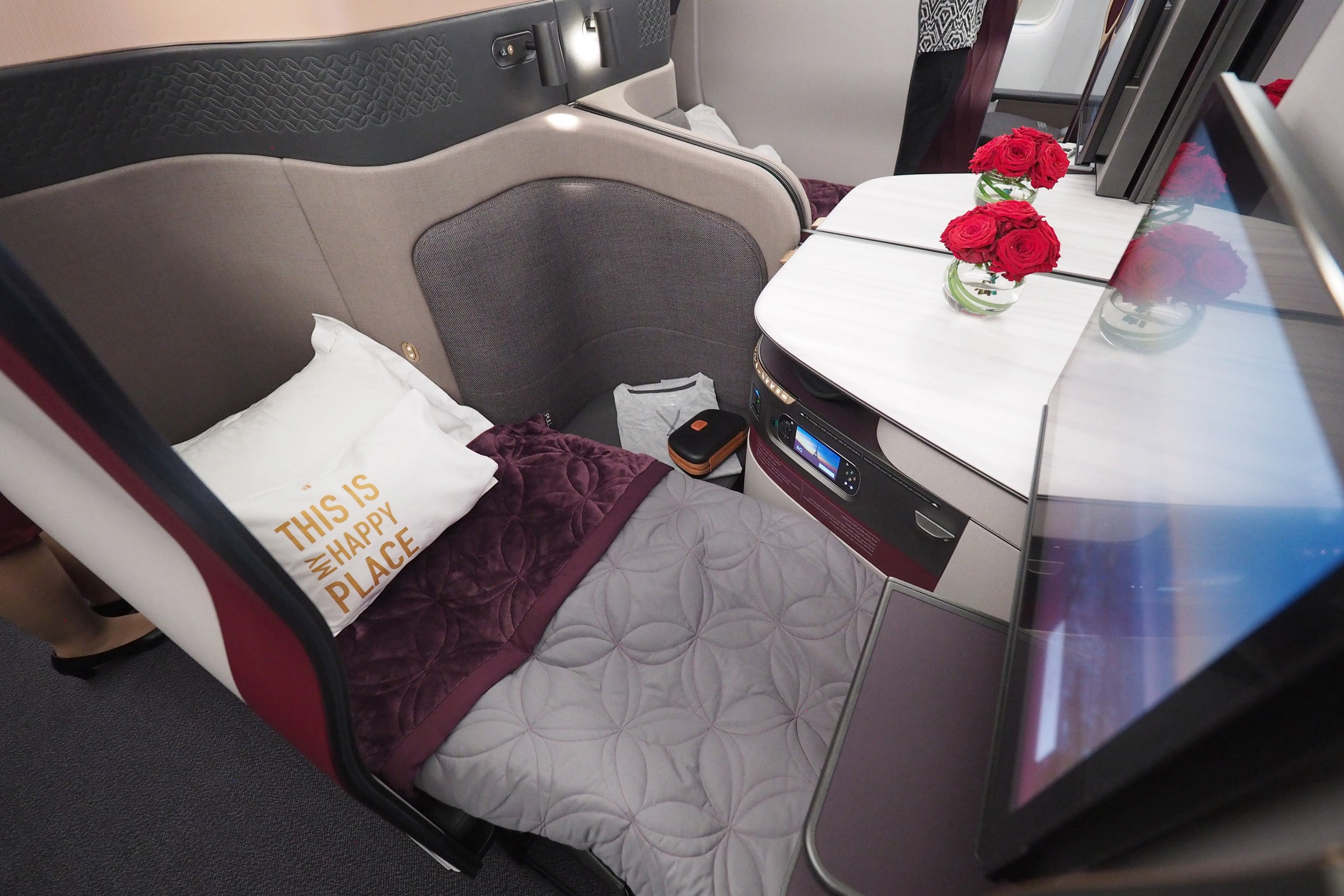 Touring Economy And Qsuite Business On Qatar S 777 300er