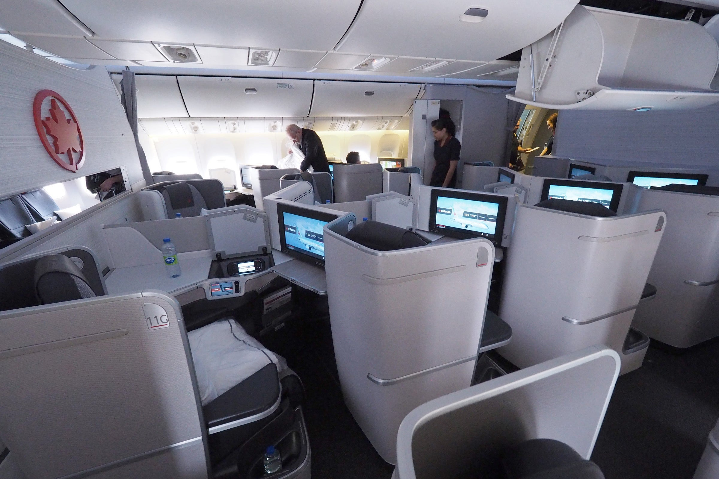 Review Air Canada 777 300er Business Class