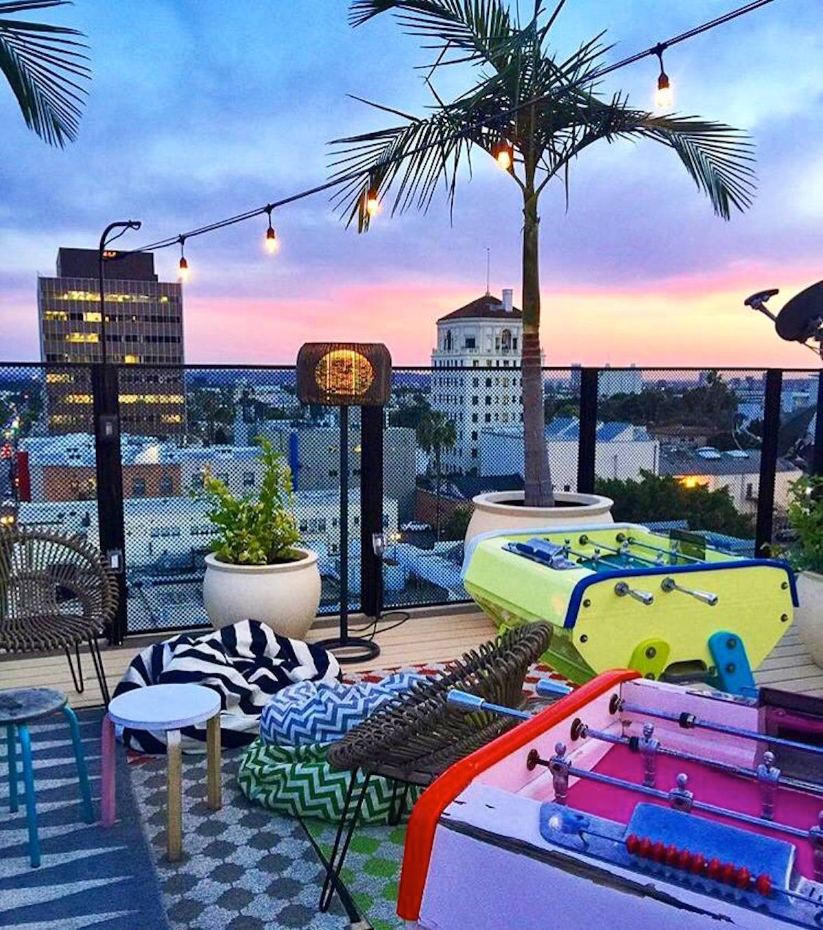 10 coolest rooftop bars in america. Black Bedroom Furniture Sets. Home Design Ideas