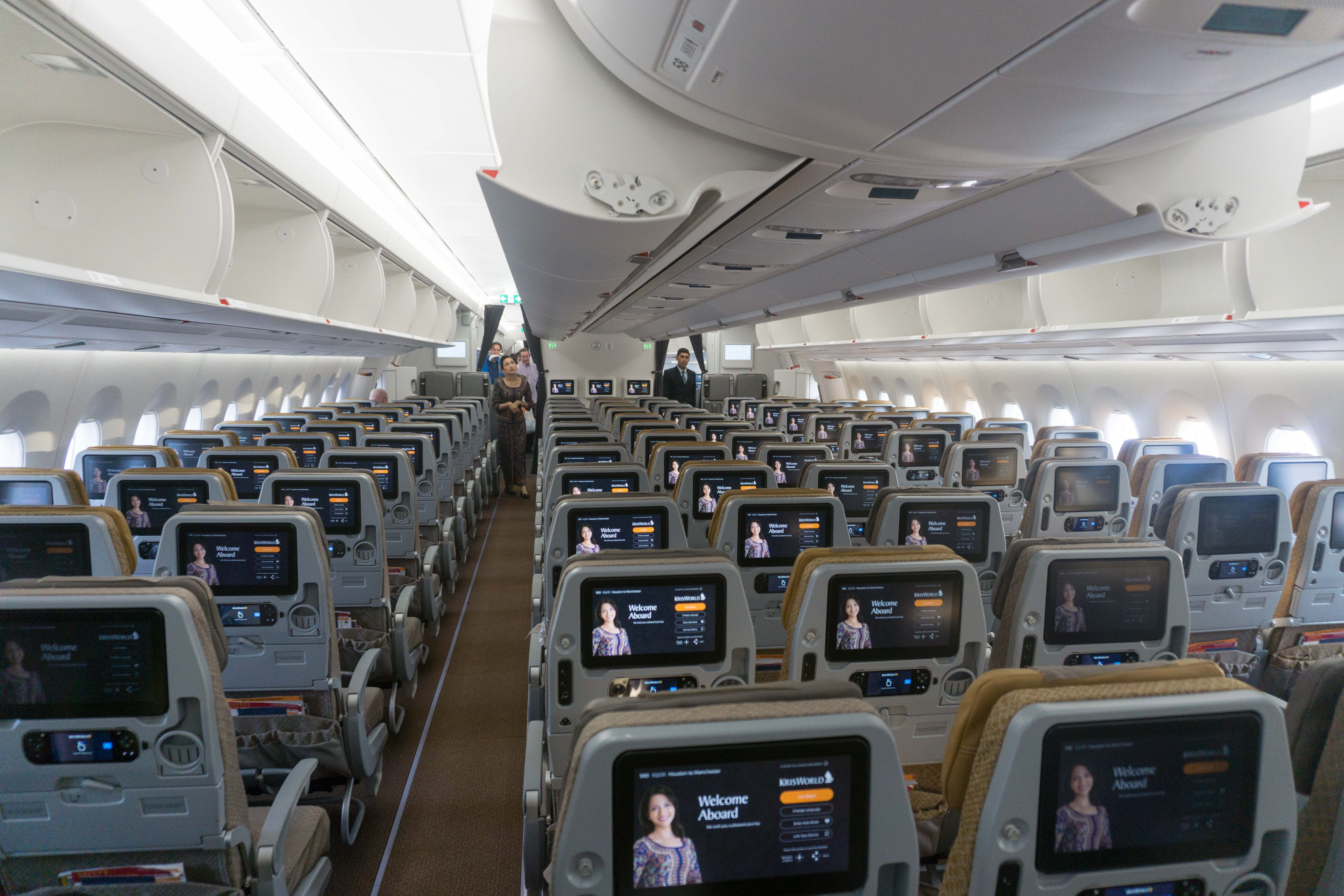 Singapore Airlines (A350-900) Economy, Houston to Manchester