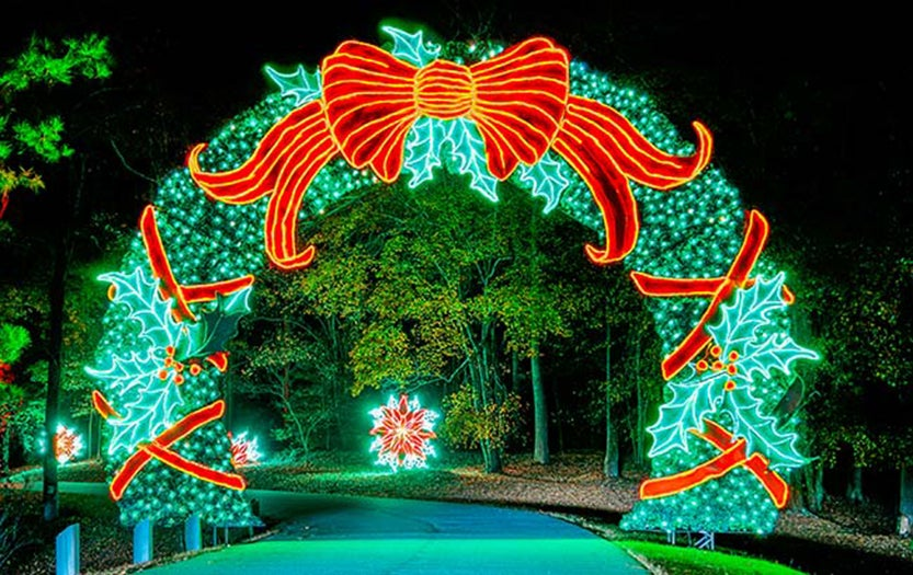 World 39 s most extravagant christmas lights displays for Callaway gardens fantasy in lights