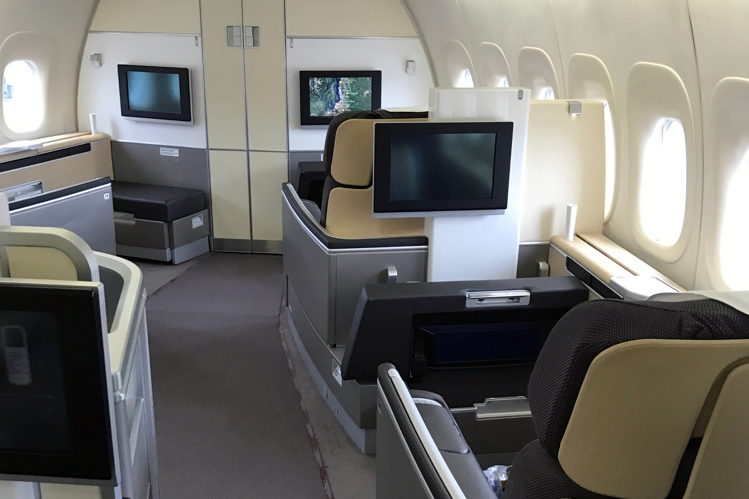 Booking Business And Flying In First Class On Lufthansa