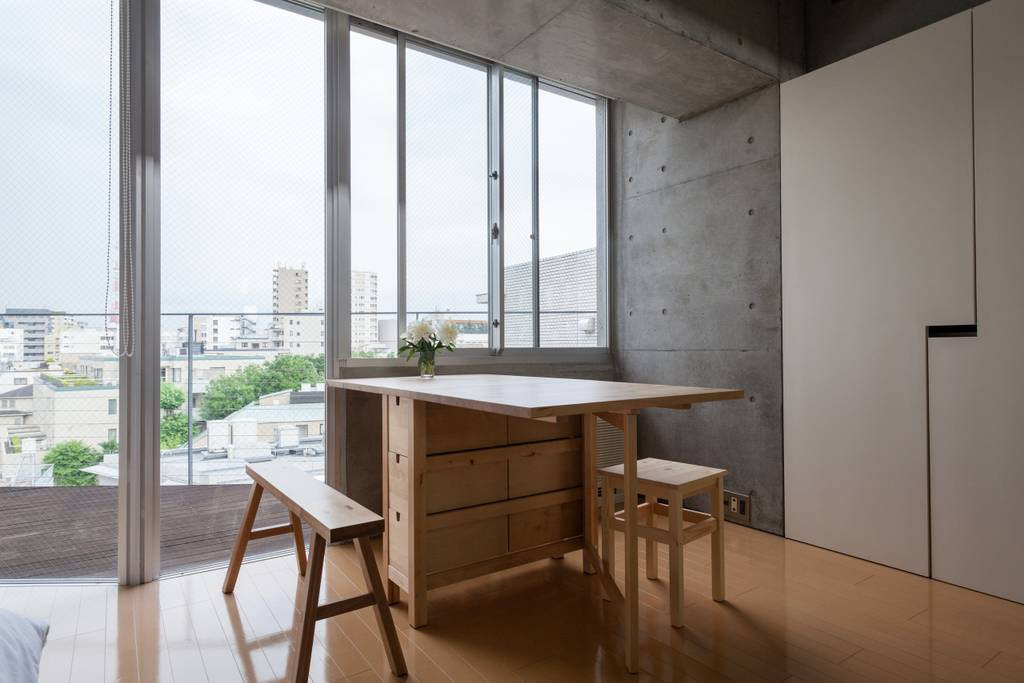 This One Bedroom Apartment Is A Great Launchpad For Business Travelers Take Break From The Hustle And Bustle Of Tokyo Revel In Stunning Views