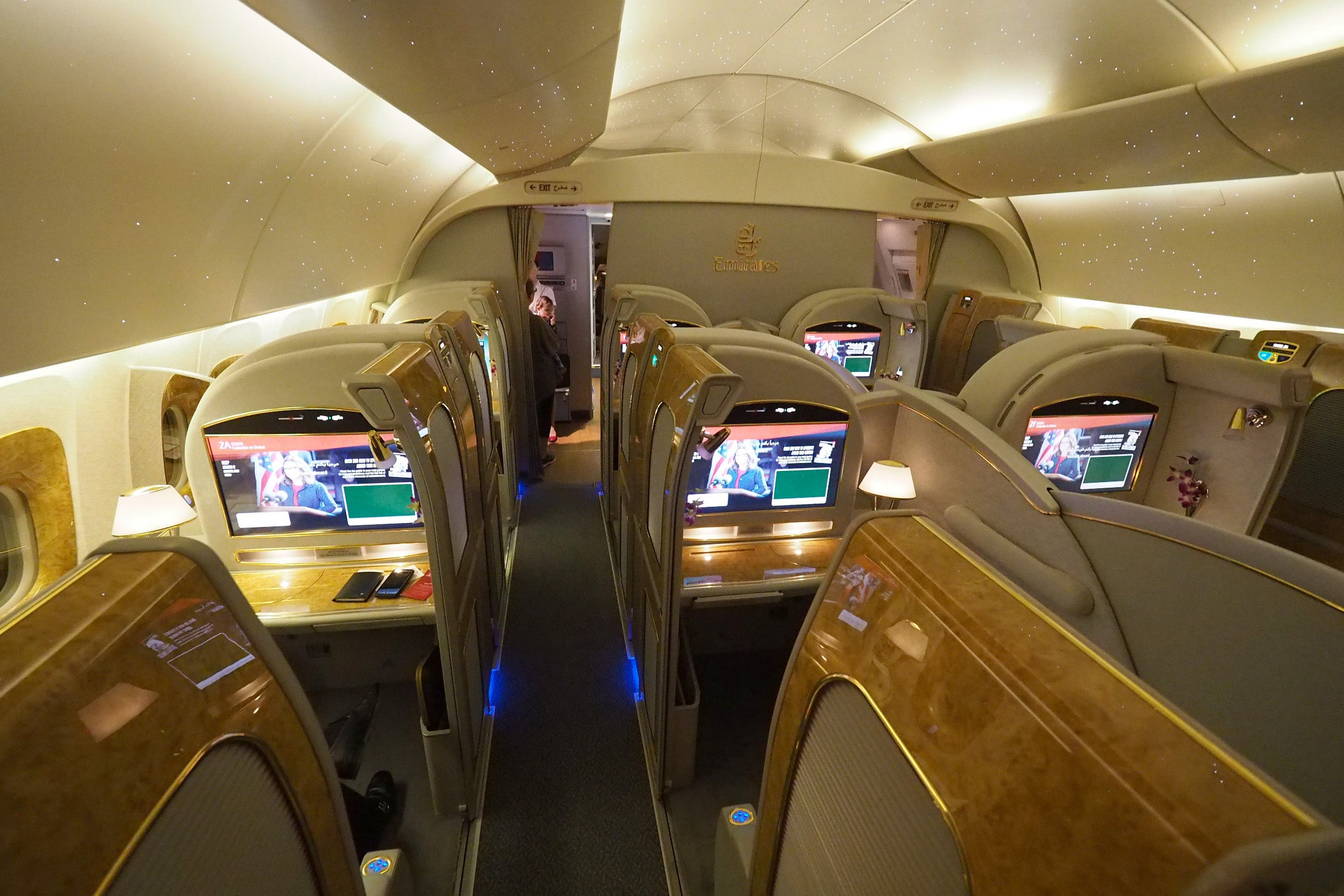 Comparing Emirates New And Old First Class Suites