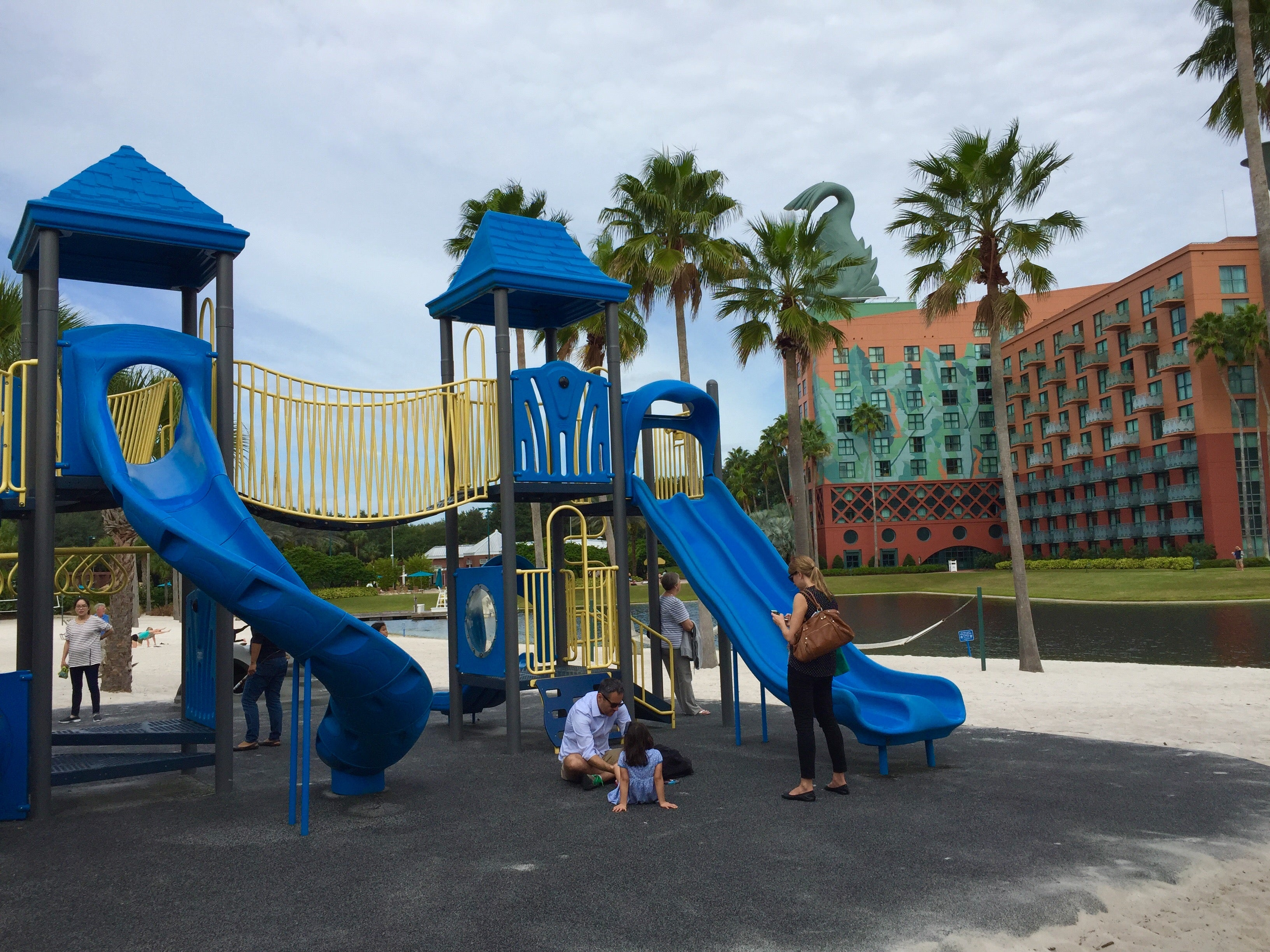 Disney Perks And Amenities At The Swan And Dolphin Resorts The
