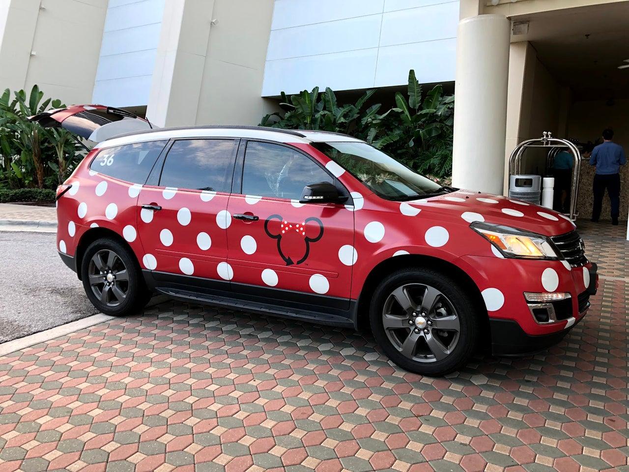 How to Use Disney World's Minnie Vans