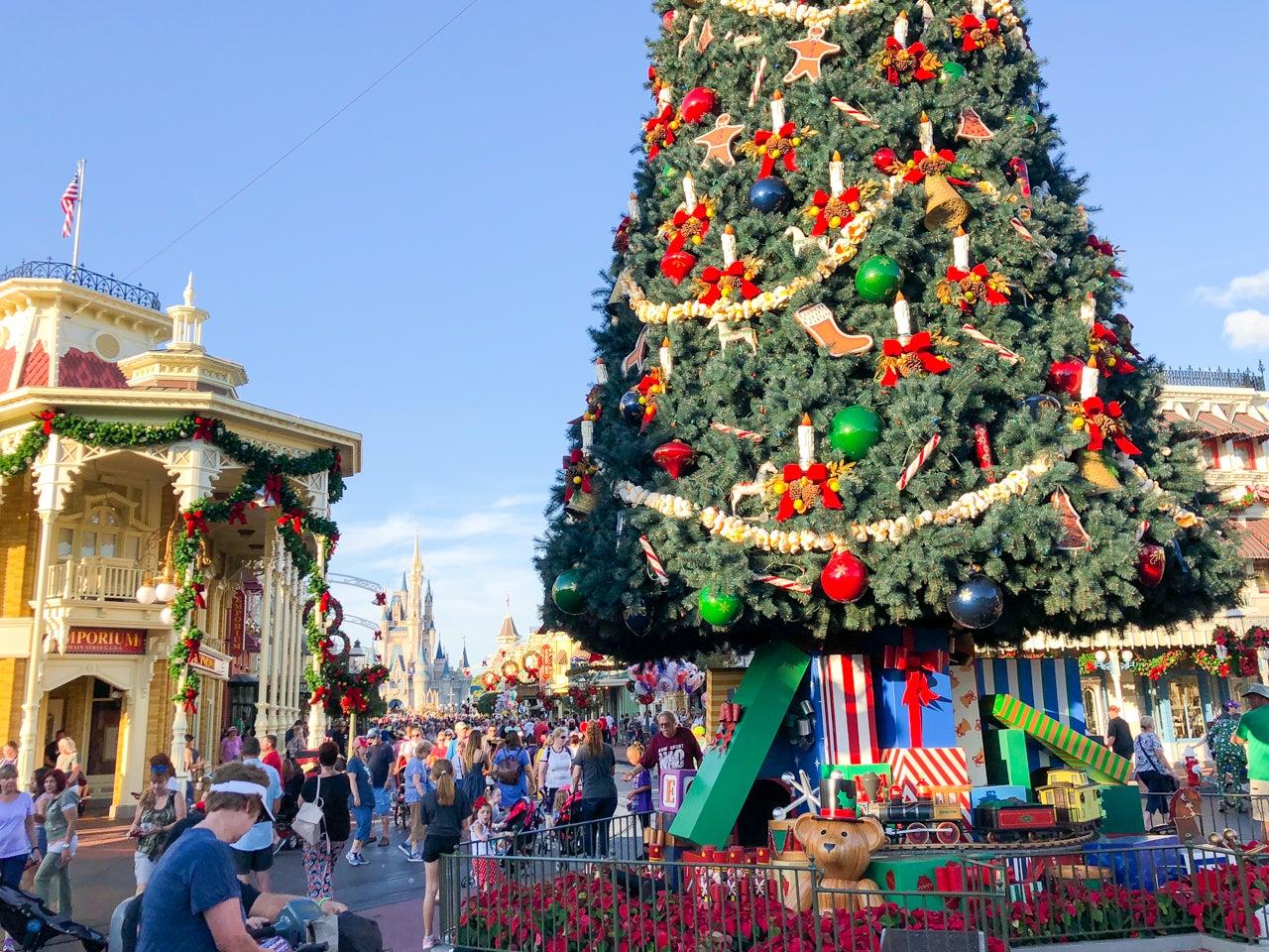 Guide To Visiting Disney World At Christmas