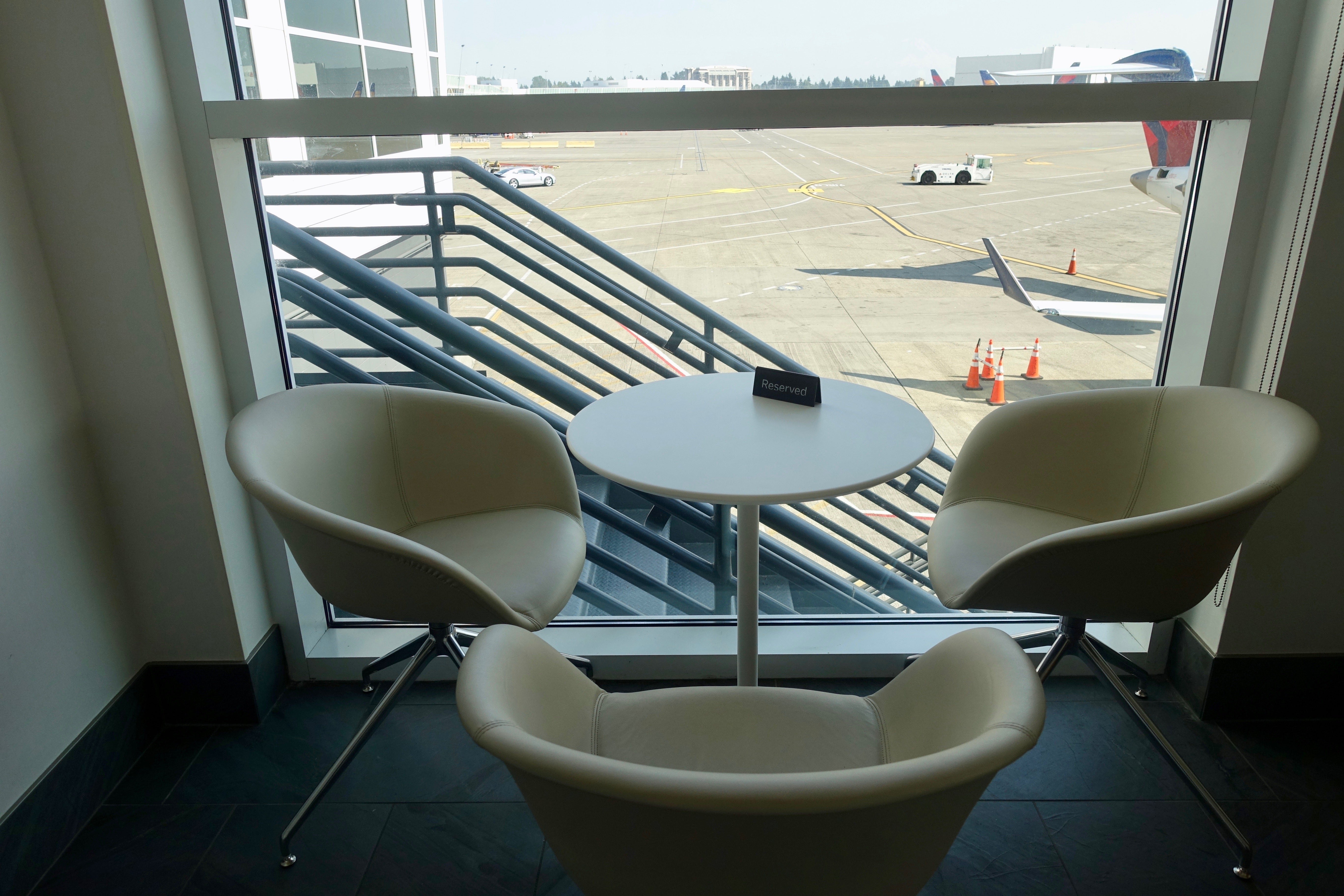 7 Centurion Lounges in 7 Days Seattle SEA Review